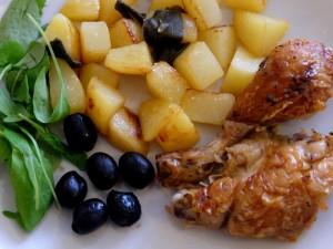 картошка с мясом и маслинами