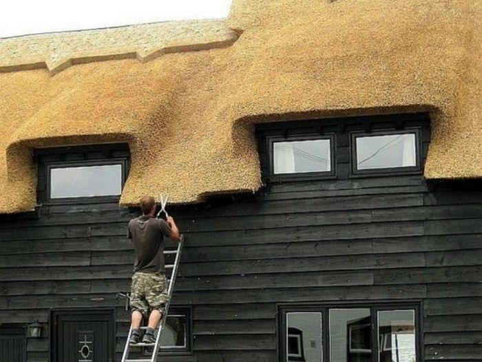 стрижка соломенной крыши