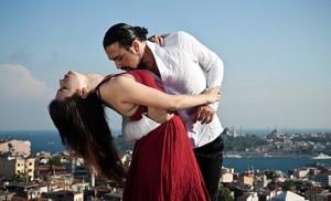 пара танцующая танго